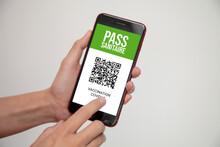 Pass Sanitaire Avec QR Code Pour Voyager En Temps De Pandémie De Covid