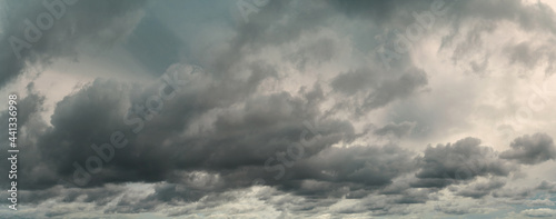 Foto Panorama view of overcast sky