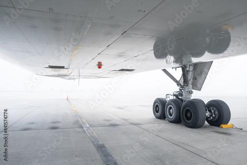Photographie Flugzeug im Nebel