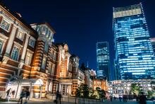 東京駅 丸の内 夜