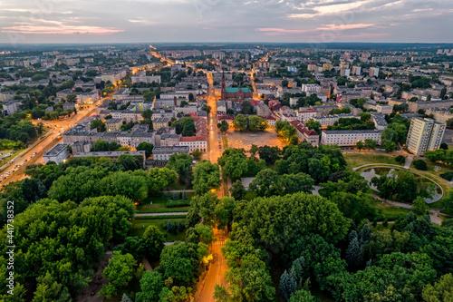 Fototapeta Nocna Łódź- widok na Stary Rynek w Łodzi.