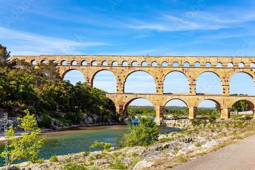 Canvastavla Picturesque antique bridge - aqueduct