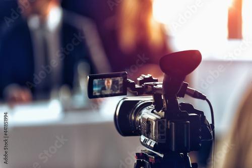 Foto Camera Recording Press Conference