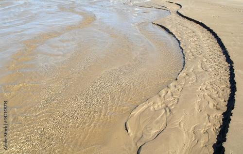 Obraz na płótnie Marée basse sur la plage de Saint-Anne La Palud en Finistère Cornouaille Bretagn