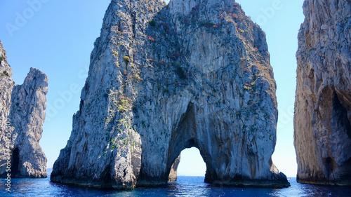 Fotografie, Obraz Insel Capri, Felsenküste, Insel im Mittelmeer