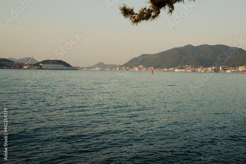 Tela 関門海峡の夕景
