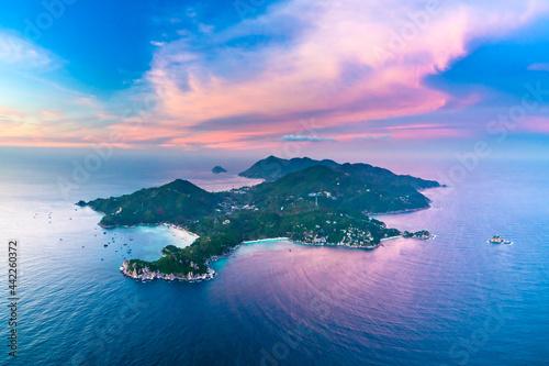 Obraz na plátně Koh Tao Island Drone aerial uav dream destination of a scuba diving paradise in