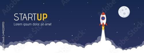 Fotografiet startup website header with launching rocket