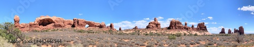 Fotografia A Beautiful Panoramic of the Desert Rock Formations in Arches National Park Near