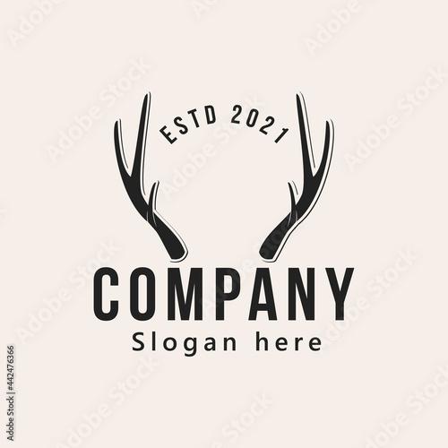 Fotografija vintage horn deer antlers logo design vector illustration