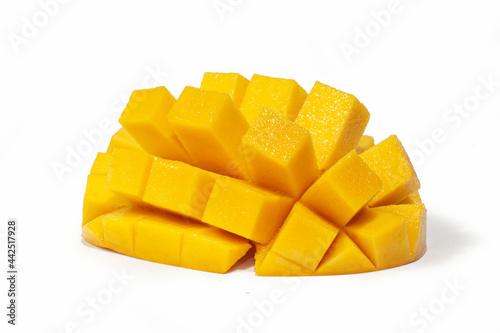 Fotografiet ripped yellow mango pulp