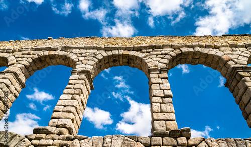 Fotografia Ancient roman aqueduct in Segovia, Spain