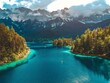 Drohnenperspektive vom wunderschönen Eises in Bayern