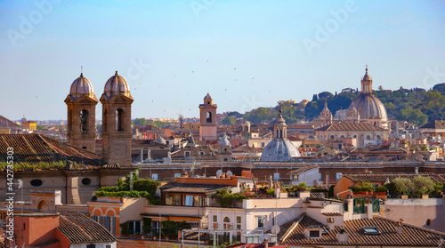 Fotografia Amazing panoramic views of rooftops, church domes, bell towers of Ancient Rome,