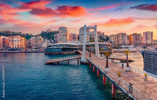 Photo Spectacular sunrise in Durres, port city on the Adriatic Sea in western Albania, Europe