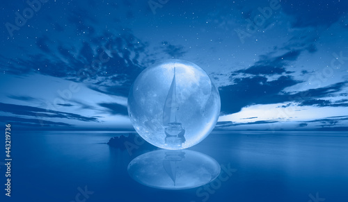 Fotografia Full glass moon (or crystal ball moon) rising over empty sea with night, white a