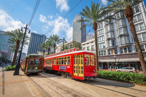 Canvas New Orleans, Louisiana, USA street cars.