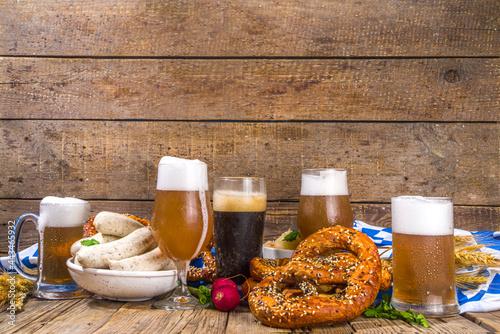 Billede på lærred Oktoberfest food background, Traditional bavarian holiday food menu, sausages wi