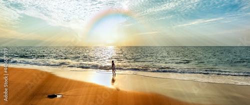 Foto Rainbow Girl Spirit Sunset