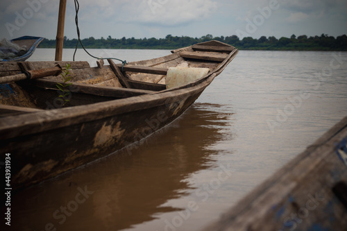Fototapeta Boats are an important part of the livelihood of the villagers in the countryside, as they are used for fishing for a living