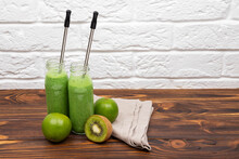 Detox For Healthy Lifestyle, Ketone Diet, Raw Food Diet. Fresh Green Detox Smoothies. Green Juice Smoothie Cup As Weight Loss Detox Meal Replacement Diet. Spinach Protein Shake For Morning Breakfast.