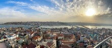 Panorama De Atardecer En La Cima De Una Ciudad