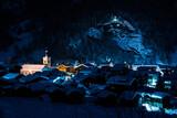 Szwajcarskie miasteczko nocą