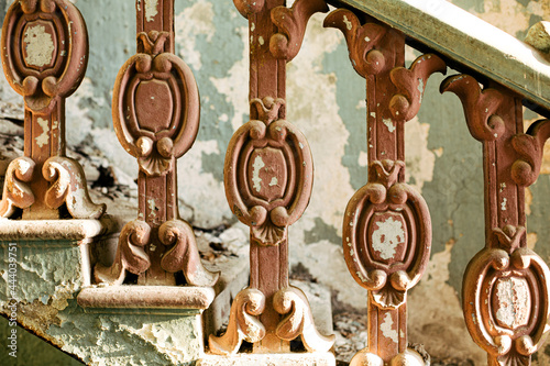 Murais de parede Antique marble pillars hold the railing