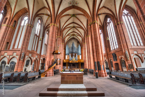 Tableau sur Toile Der Innenraum des Wetzlarer Doms