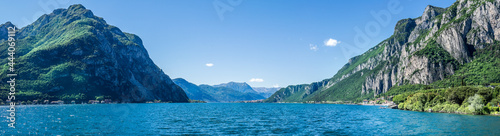 Fotografia Lago di Como, vista panoramica da Lecco verso le Alpi