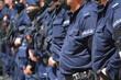 Polska policja na służbie w mieście.
