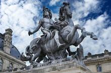 Musee Du Louvre Statue De Louis XIV Paris
