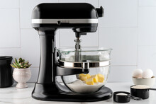 Stand Mixer With Butter And Sugar