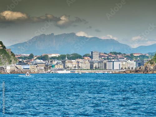 Obraz na plátně Vistas de la bahía de la concha en San Sebastián y la Isla Santa Clara