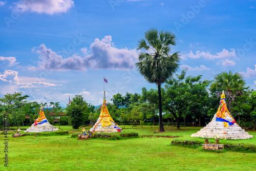 Fototapeta Three Pagodas Pass or Dan Chedi Sam Ong is a border between Thailand and the Uni