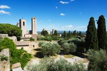Vista Panoramica Di Un Luogo Famoso In Italia. San Gimignano è Un Borgo Medievale In Toscana.