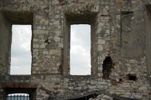 Fragment Starego Muru Z Otworami Okiennymi