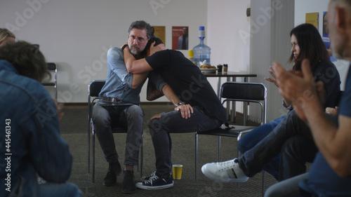 Billede på lærred Male addict crying during group meeting