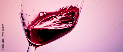 Fotografiet Premium red wine in crystal glass, alcohol drink and luxury aperitif, oenology and viticulture product