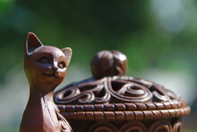 Synthetic Brown Jewelry Box And Cat Sculpture