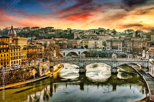 Stampa su Tela Rome view of Tiber river at sunset