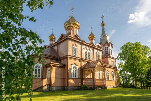 Drewniana cerkiew prawosławna w Michałowie, Polska