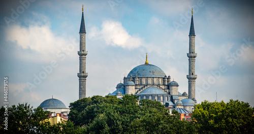 Obraz na płótnie Estambul ciudad histórica y monumental entre la vieja Europa y Asia