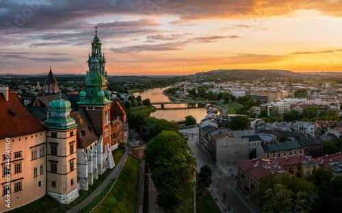 Billede på lærred Magic sunset over Wawel castle, Krakow, Poland
