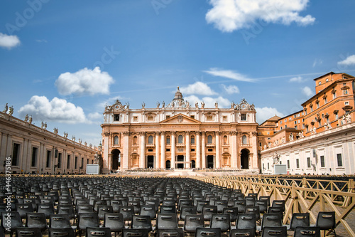 saint peter's basilica square in Vatican Rome Fotobehang