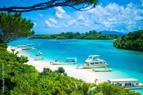 Fototapeta 沖縄県石垣島の海がある風景 Ishigaki Okinawa