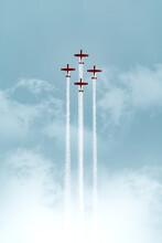 Four Planes Symmetrical Acrobatic Show