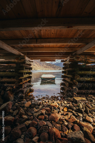Foto Under the boathouse