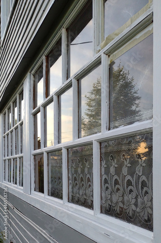 Fotografie, Obraz windows of the terrace of the wooden summer house