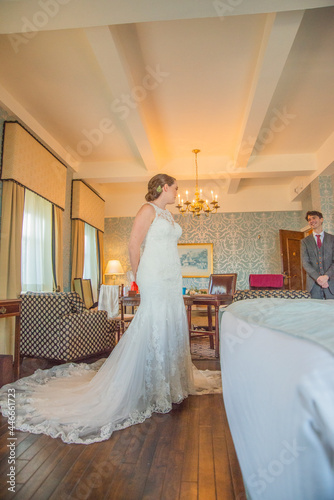 Fotografering First look for bride and groom